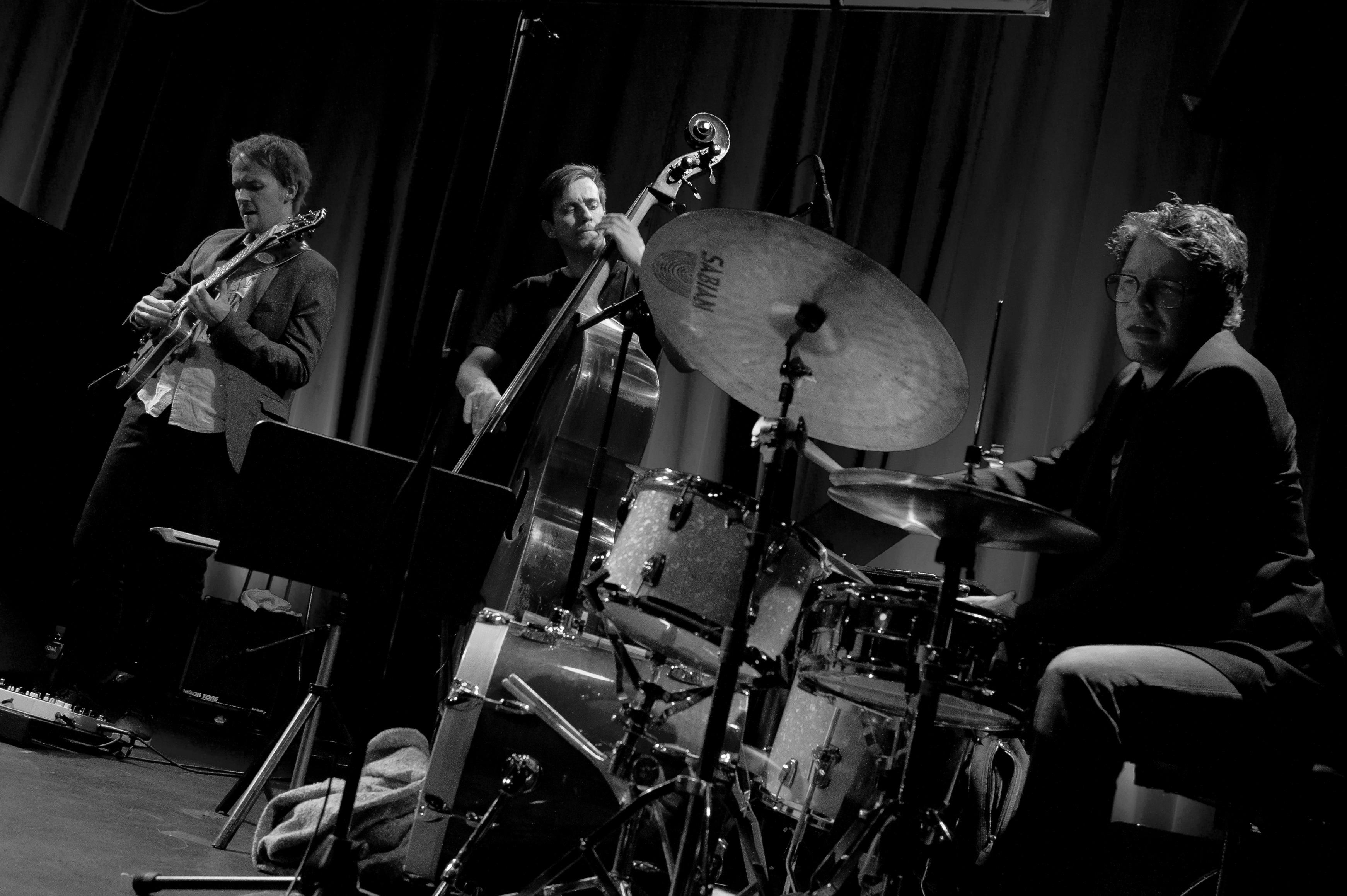Gisle Torvik Trio live@Victoria5